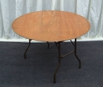 4ft Round Table – Seats 6 people
